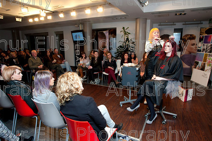 TV-Insight-042 